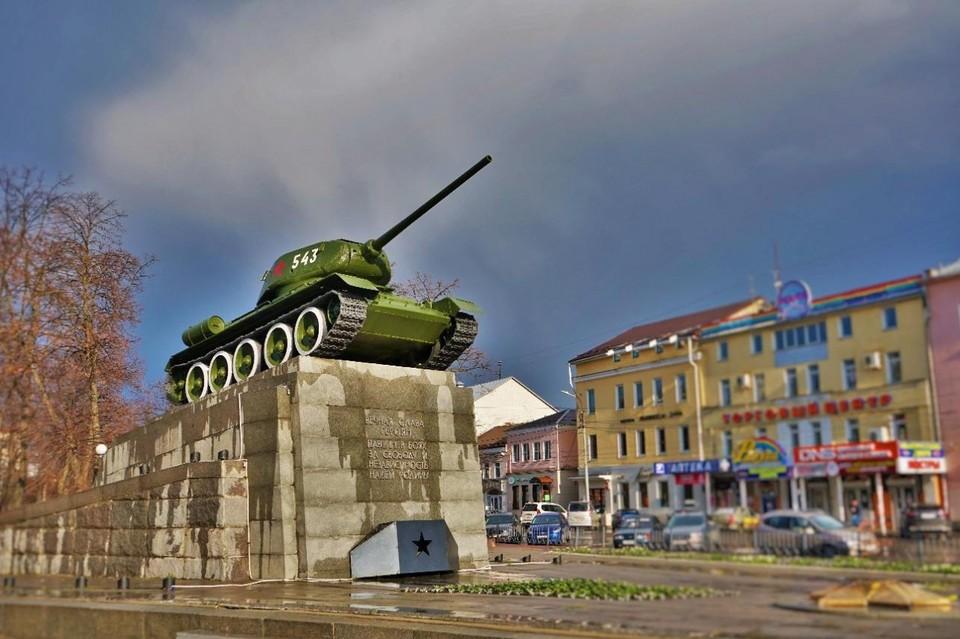 В Орле начали приводить в порядок танк «Т-34» в сквере Танкистов. Фото: пресс-служба администрации города