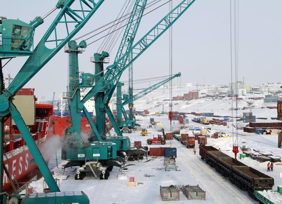 Суровые сибирские реалии Дудинского морского порта. Фото: Cтудия Фотоkисть
