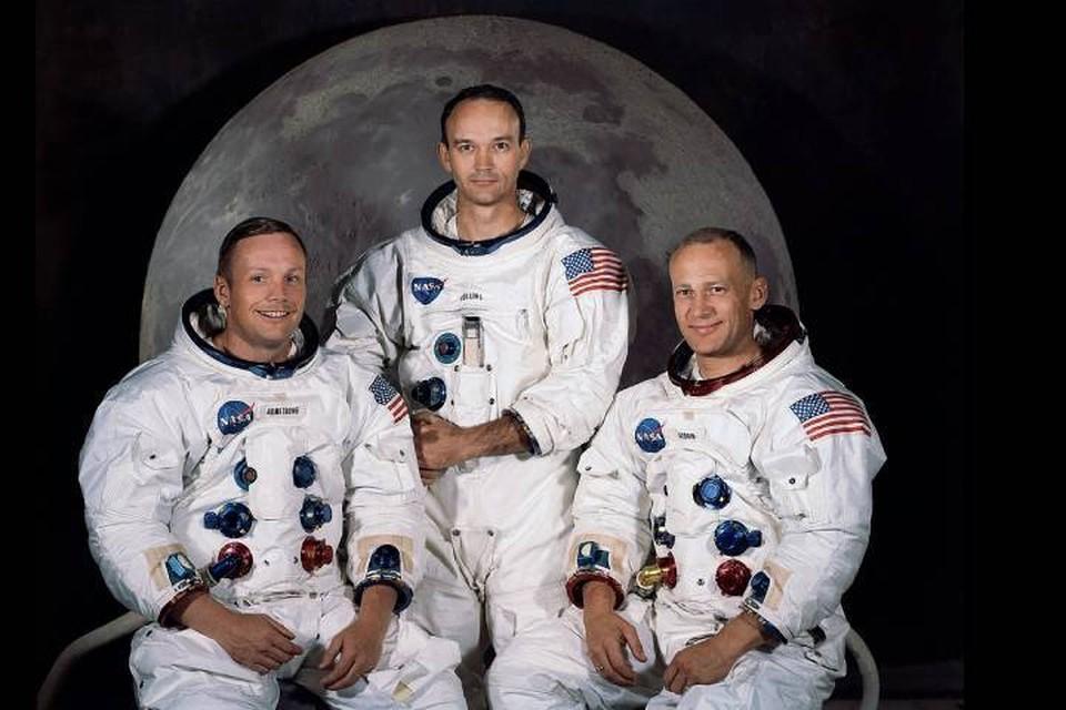 Экипаж Аполлона-11: Майкл Коллинз в центре. Слева Нил Армстронг, справа Эдвин Олдрин.