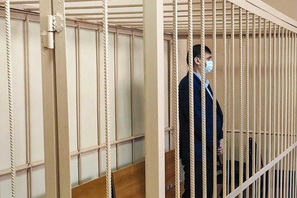 Олега Извекова обвиняют в получении взятки