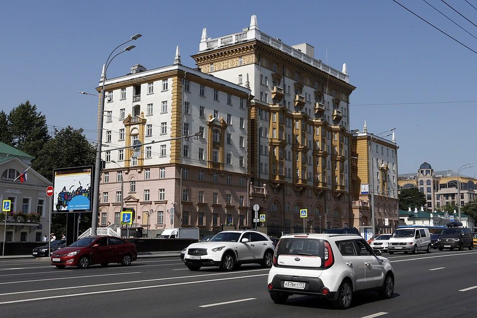 B последние годы американское посольство в Москве и так не особо утруждало себя работой с российскими туристами