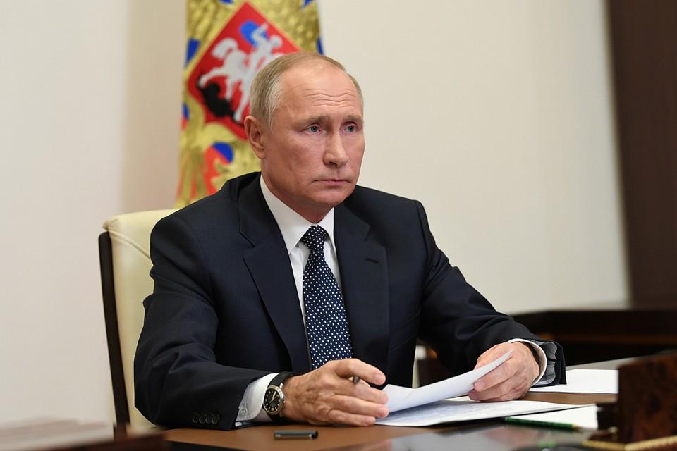 """Путин присвоил звание """"Героя труда"""" пятерым россиянам."""