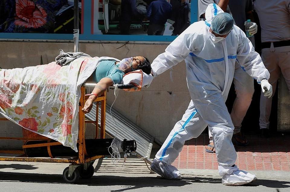 Индия снова бьет все рекорды по числу инфицированных за сутки