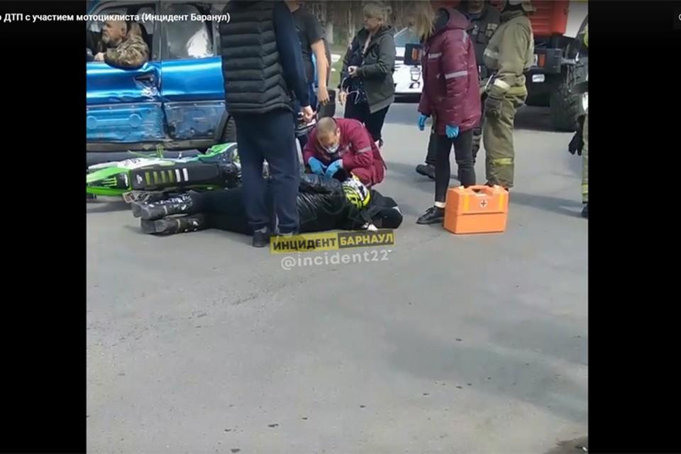 """Фото: скриншот видео из группы """"Инцидент Барнаул"""""""