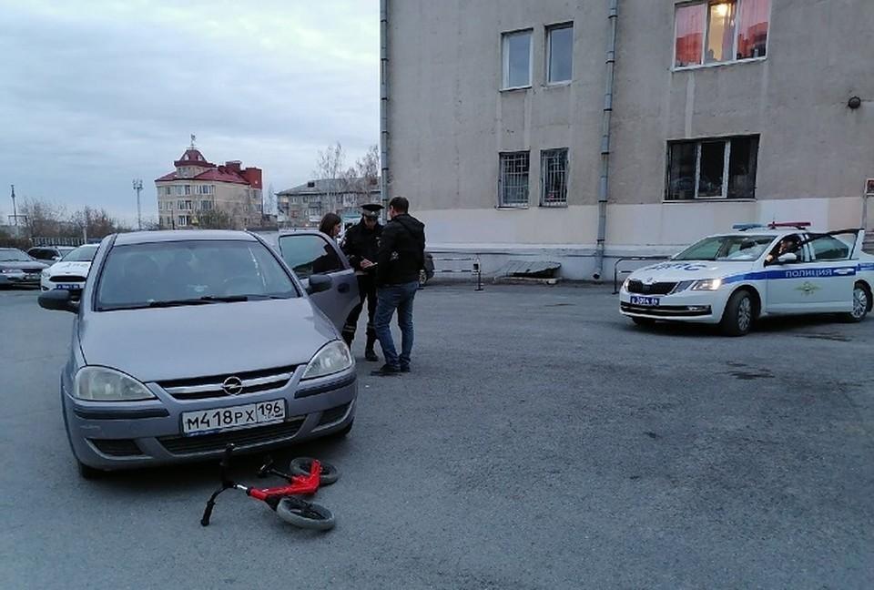 Водительский стаж женщины составляет девять месяцев. Фото: УГИБДД по Свердловской области