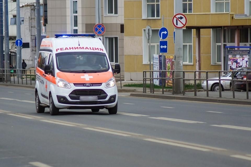 Двоих детей и двоих взрослых госпитализировали в больницы
