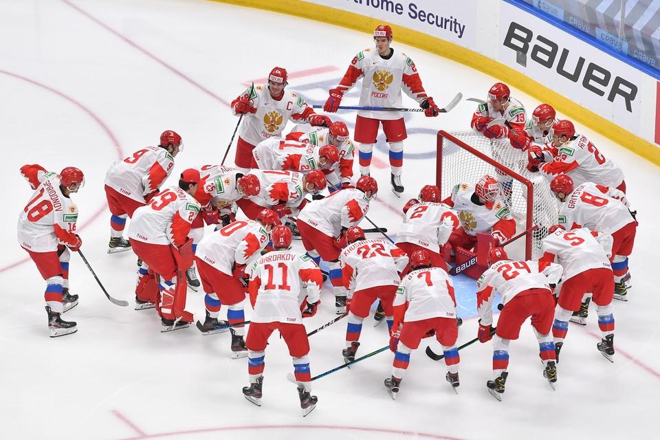 Россия - вице-чемпион мира по хоккею 2021 среди юниоров.