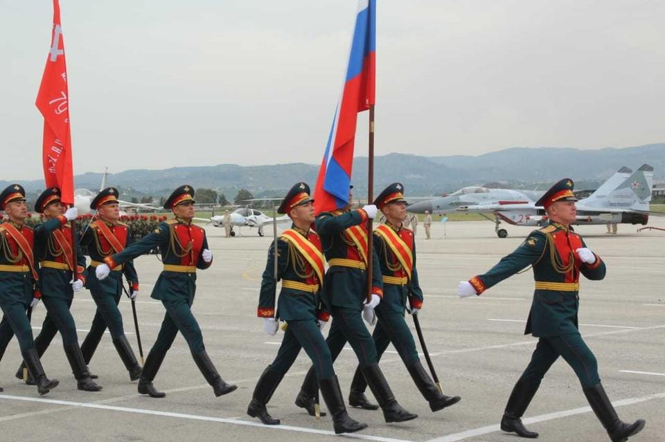 В параде приняли участие одна тысяча военнослужащих и 84 единицы техники. Фото:МО РФ.