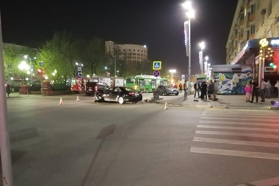 Водитель въехал в пешеходов после столкновения с другим автомобилем Фото: ГИБДД по Екатеринбургу