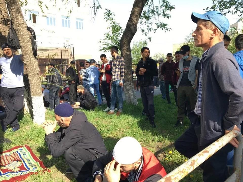 Из-за трагедии в Казани Ураза-байрам в Челябинской области прошел без угощений