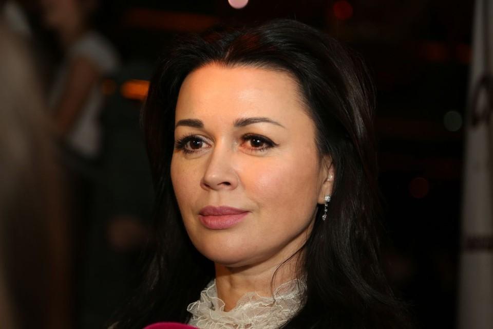 Анастасия Заворотнюк борется с глиобластомой.