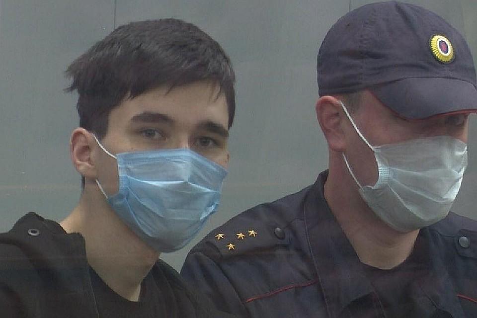 Ильназ Галявиев объявил себя в соцсети «Богом» и отправился убивать