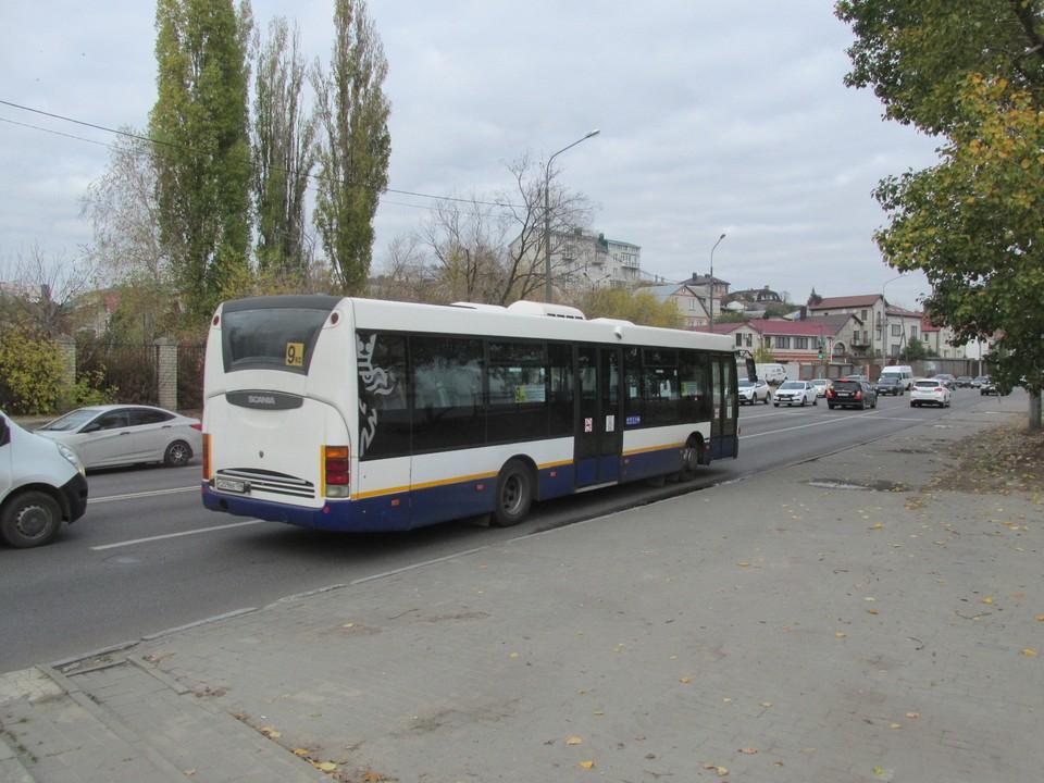 По мнению чиновника, адекватная стоимость проезда должна быть на уровне 30-35 рублей.