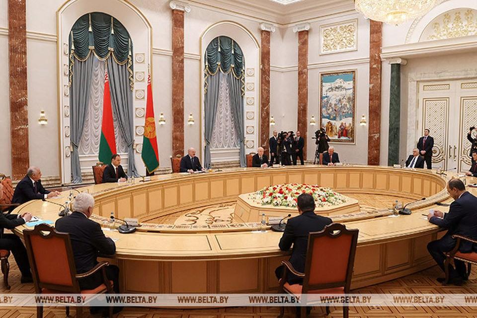 Лукашенко заявил, что что проект под названием СНГ состоялся и подтверждает свою жизнеспособность в это сложное время. Фото: БелТА