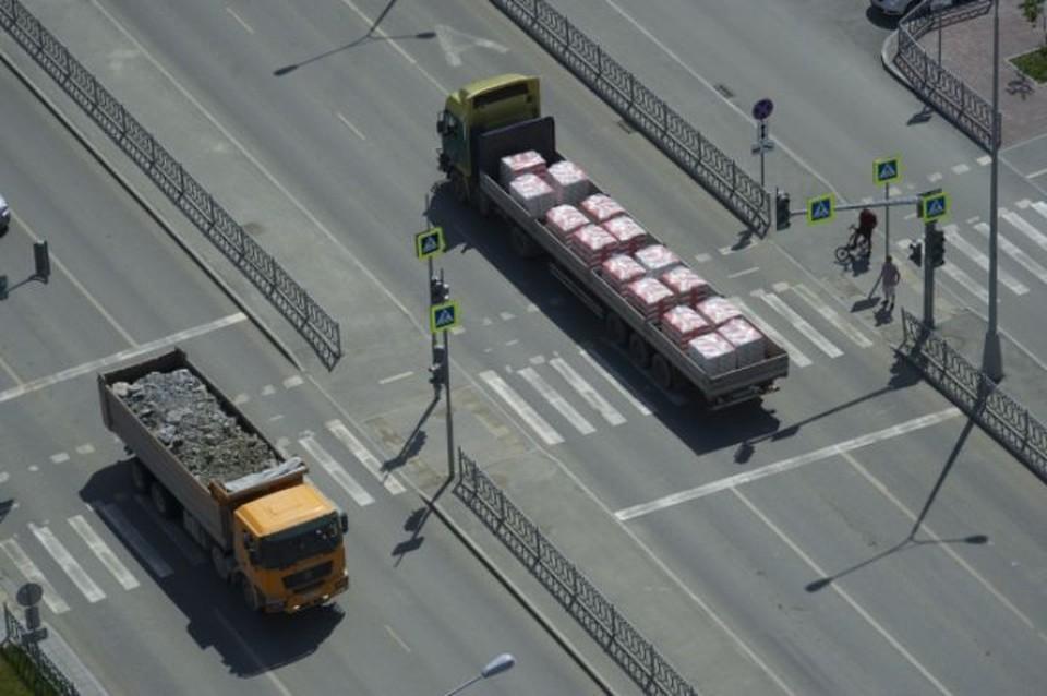 В Ярославской области произошла авария с участием трех грузовиков