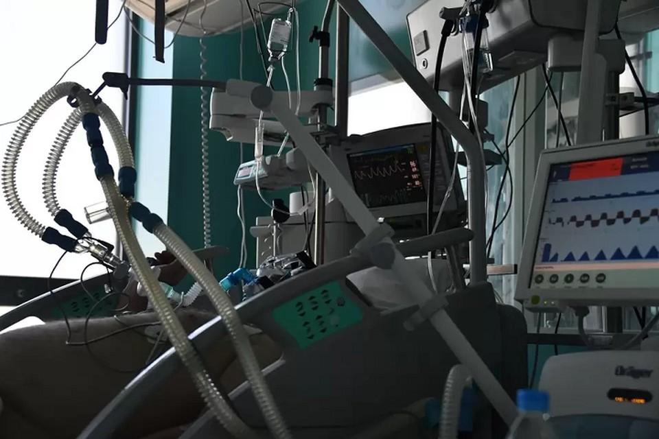 Ранее сообщалось, что в под надзором медиков в больнице находятся 7 человек