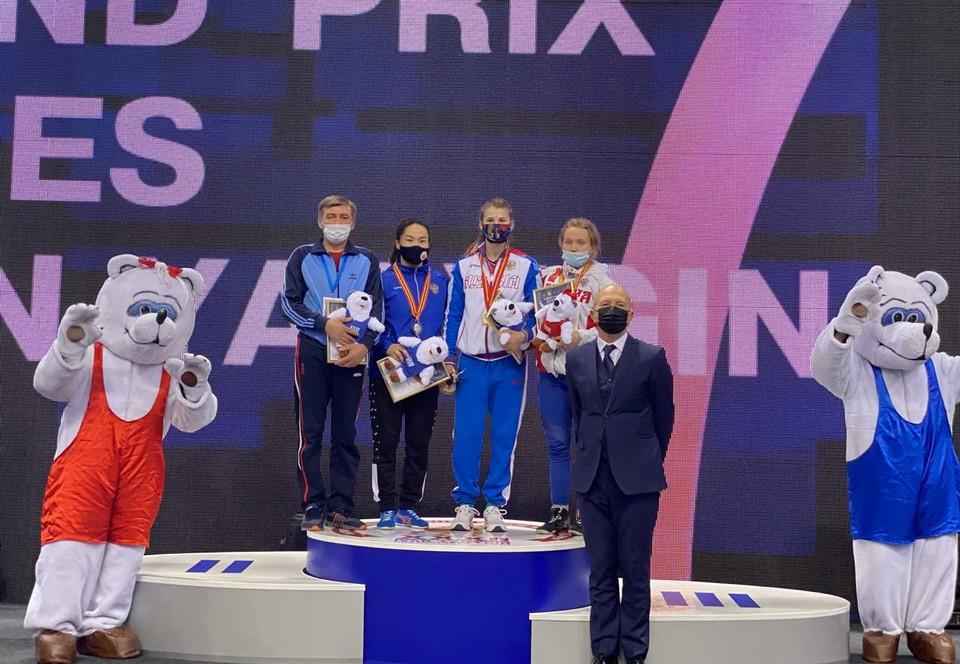 Мастер спорта России Анастасия Парохина боролась в весовой категории до 62 кг и оставила позади обладательницу серебра Ульяну Тукуренову и бронзового призера Алину Казымову