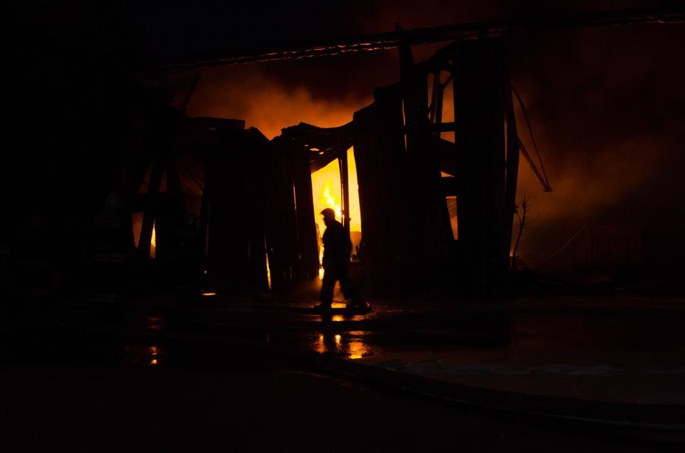 Огонь в частном доме вспыхнул во втором часу ночи