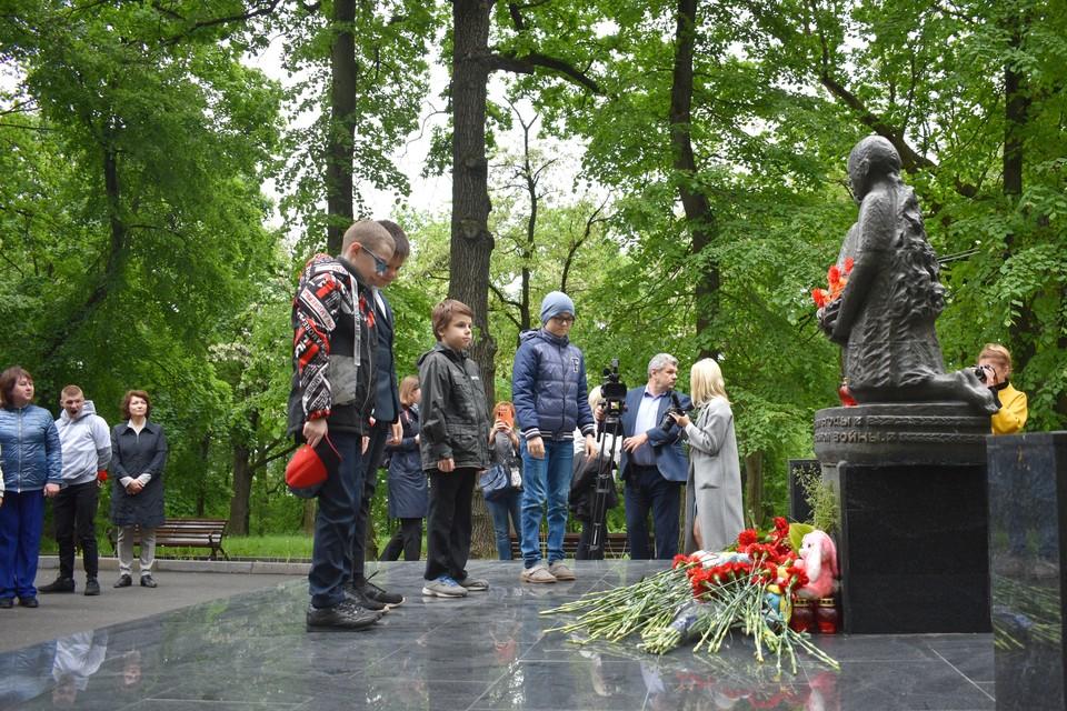 В Липецке почтили память погибших детей