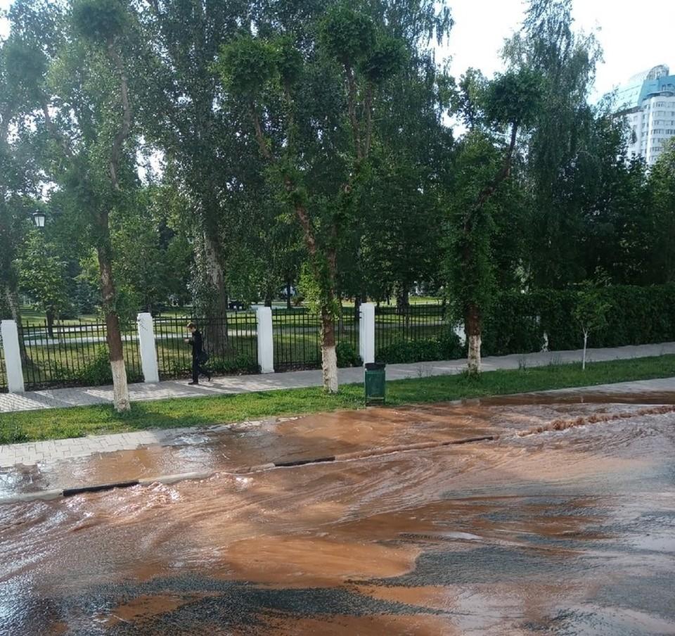 Улицы затопили около площади Куйбышева