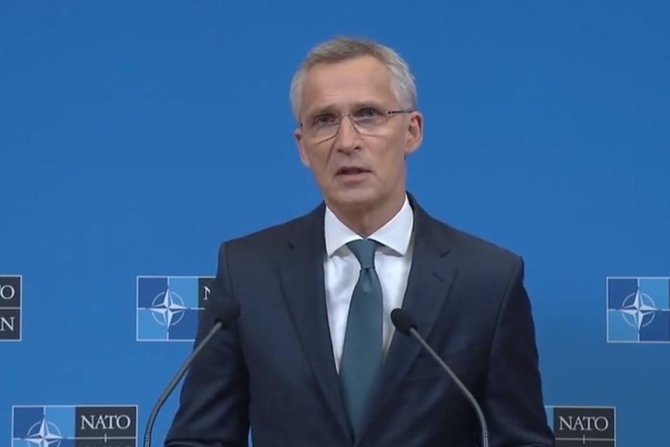 НАТО ограничило доступ в штаб-квартиру белорусским представителям. Фото: Скриншот трансляции пресс-конференции