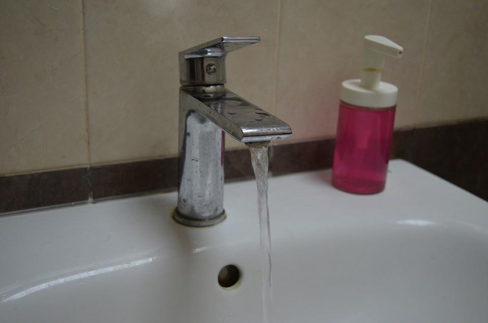 До середины июня жители домов по нескольким остались без горячей воды