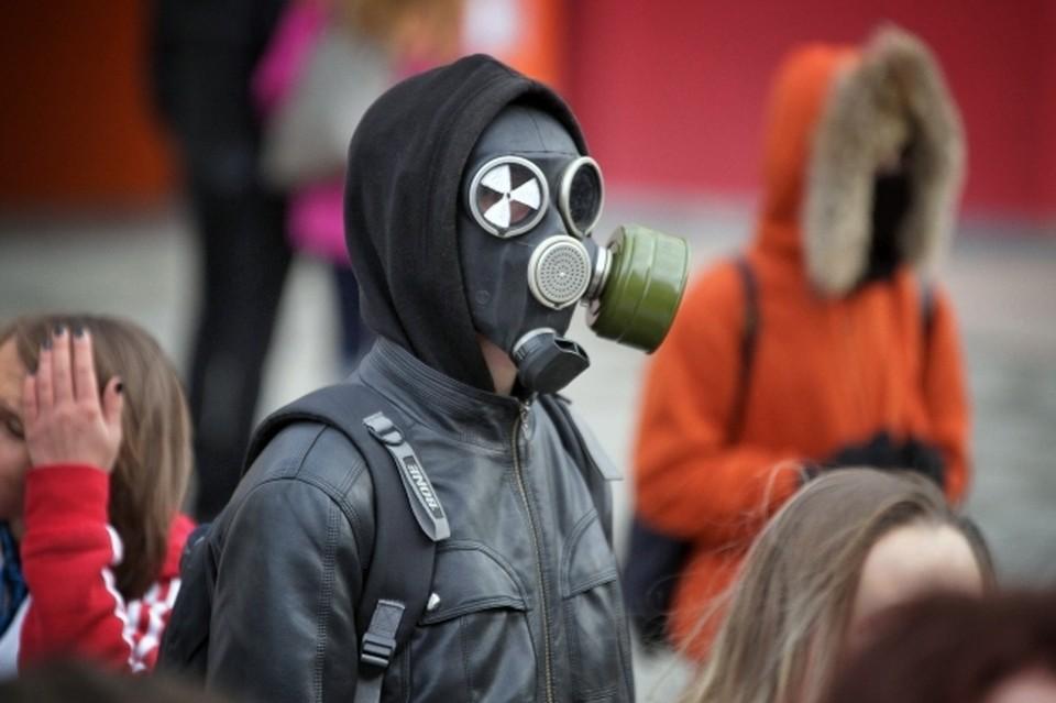 Омичи жаловались на плохое самочувствие из-за выбросов.