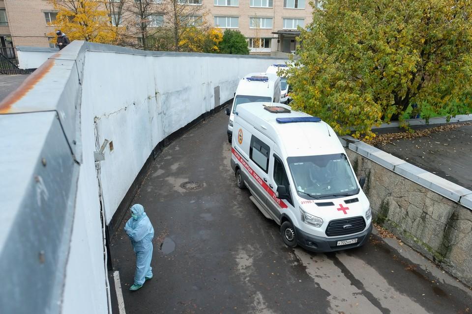 Заболеваемость в Петербурге держится на среднем уровне, как в последние 10 дней.