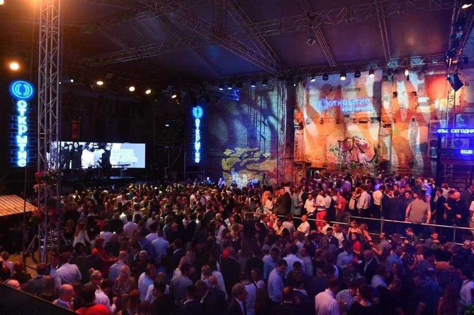 Одна из главнфх фишек ПМЭФ - большой концерт-квартирник на Гороховой. Фото: Мария Моисеева