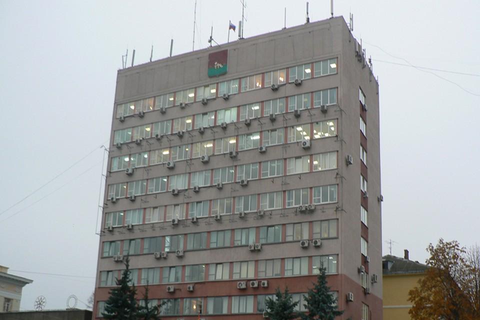 Мэр Брянска Александр Макаров в прошлом году заработал 3,5 миллиона рублей