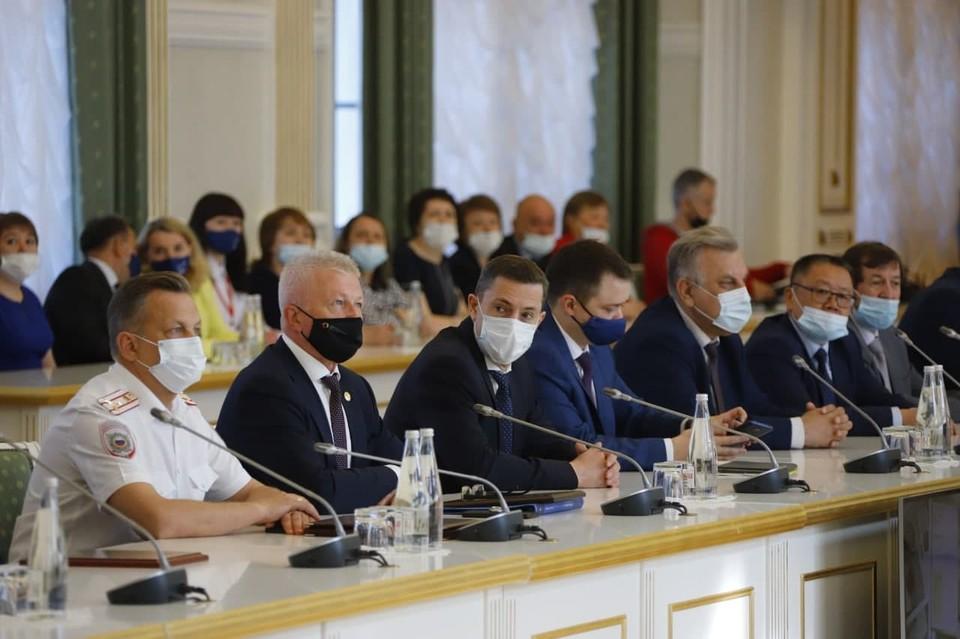 В Кемерове наградили 116 работников и ветеранов службы занятости населения. Фото: АПК.
