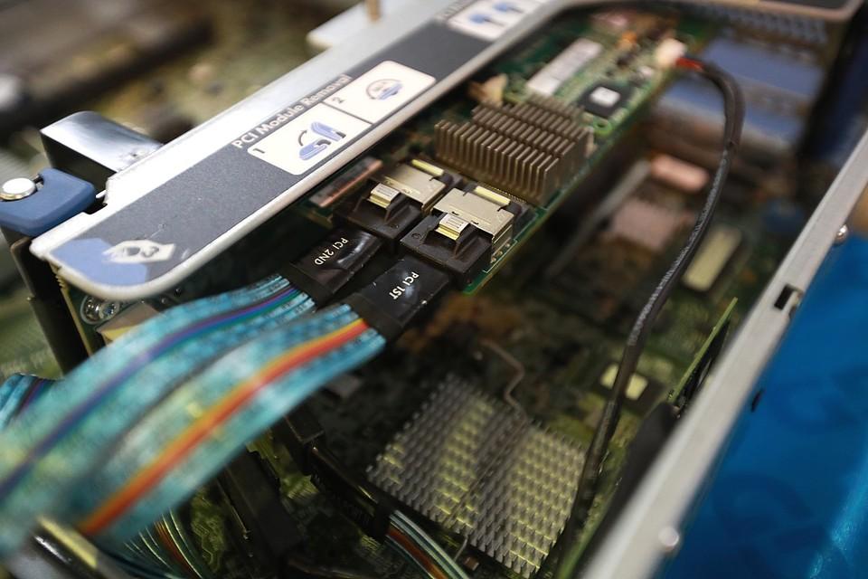 В Красноярске системный администратор одного из провайдеров вынес оборудования на 5 миллионов рублей