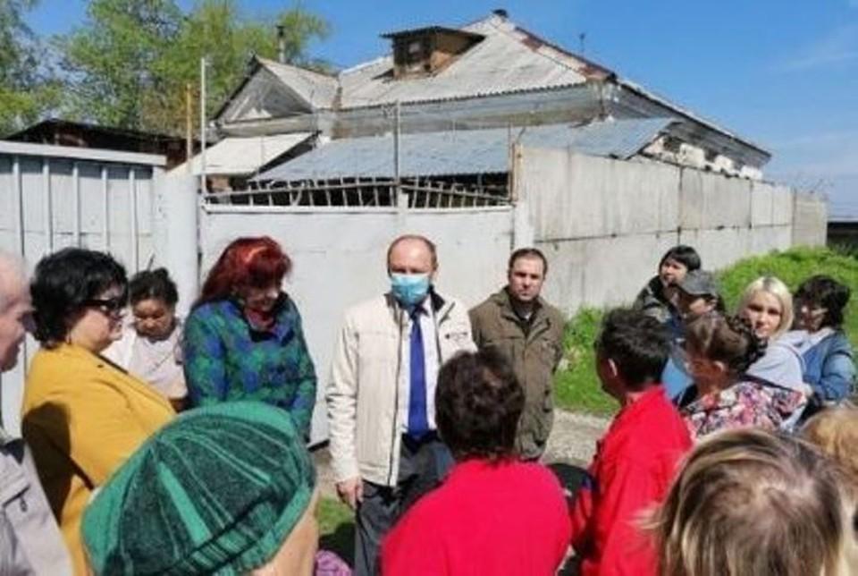 Депутаты встретились с ангарчанами в рамках работы над парламентским запросом.