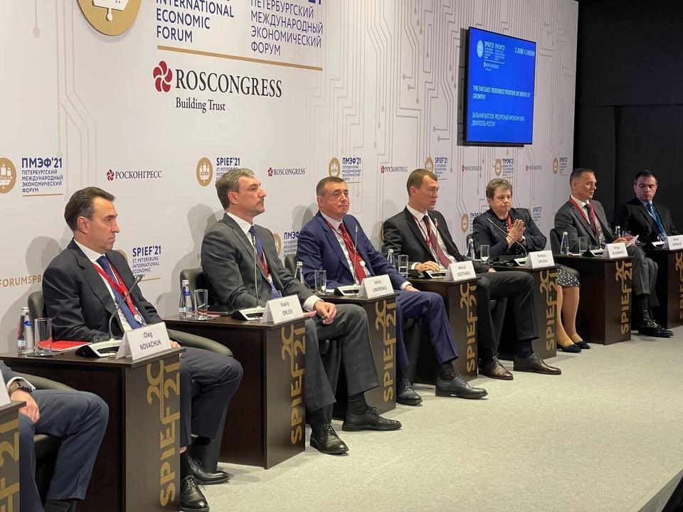 Губернатор Сахалинской области Валерий Лимаренко выступил в ходе панельной сессии «Дальний Восток: ресурсный фронтир или двигатель роста?»