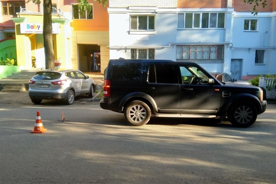Авария произошла около дома №40 на улице Пятницкой. Фото: vk.com/gibdd43