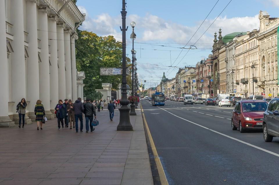 """Проект """"Чистое небо"""" должен освободить Петербург от проводов."""