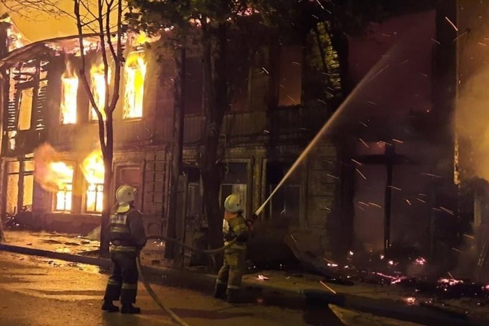 Пожар полностью уничтожил постройку 1896 года Фото: ГУ МЧС по Самарской области