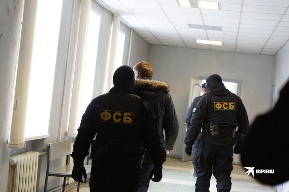 Члены банды были фиктивно трудоустроены в управляющих компаниях