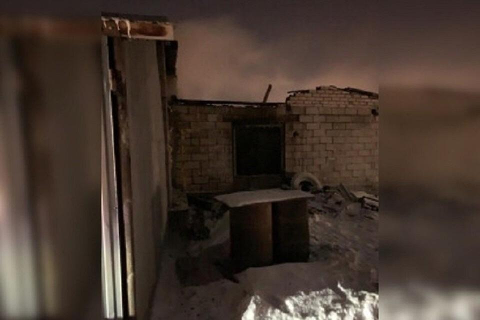 Помещение, в котором жила семья, отапливали самодельной печью. Фото - следственное управление СК РФ по Самарской области