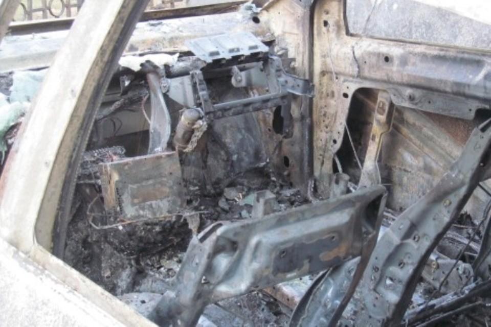 Машина выгорела почти полностью.