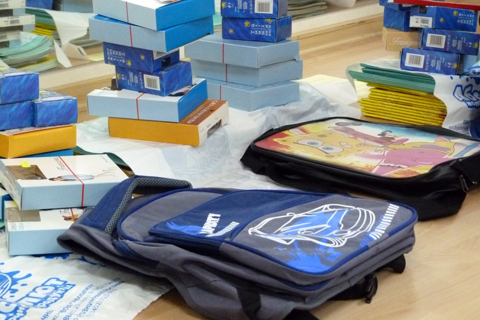 Восьмиклассник из Тюменского района показал педагогам робота-санитайзера