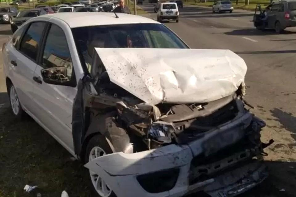 Несколько автомобилей получили серьезные повреждения в массовой аварии Фото: 1 отдел УГИБДД по Удмуртии