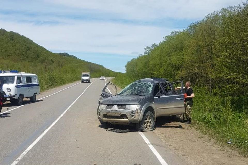 Пострадали два человека – 62-летний водитель и 33-летний пассажир автомобиля Mitsubishi L200
