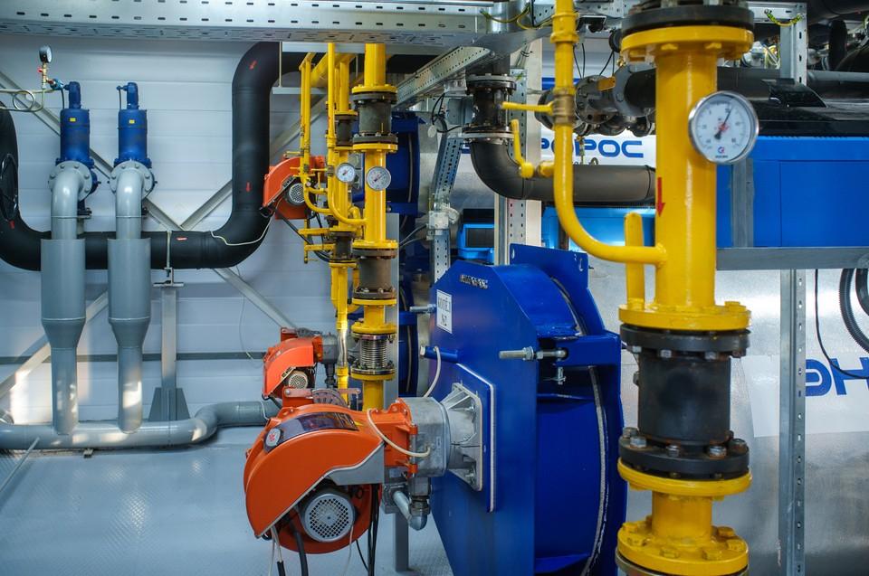 Для обеспечения безопасности температуру сетевой воды в ходе испытаний понижают: на выходе от источника она не превышает 40 градусов Цельсия. Фото: пресс-служба Теплоэнерго