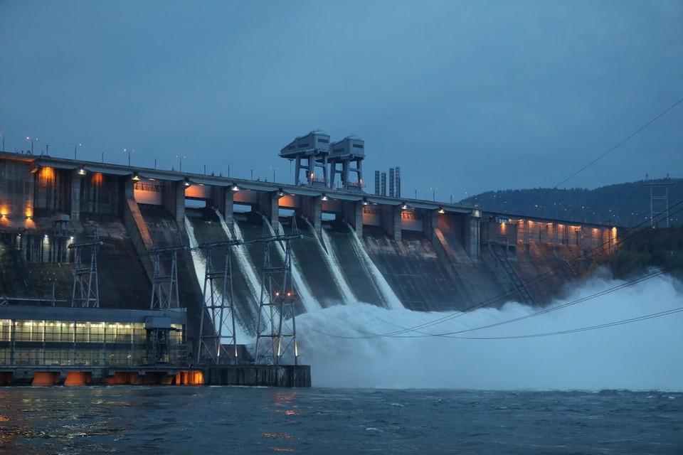 Уровень воды в Енисее в черте Красноярска уменьшился на 6 сантиметров