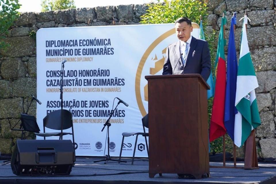 Посол Казахстана в Португалии Даулет Батрашев
