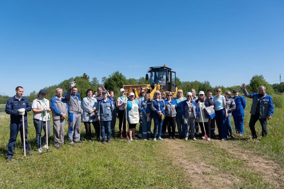 Работники Калининской АЭС на массовом экологическом субботнике