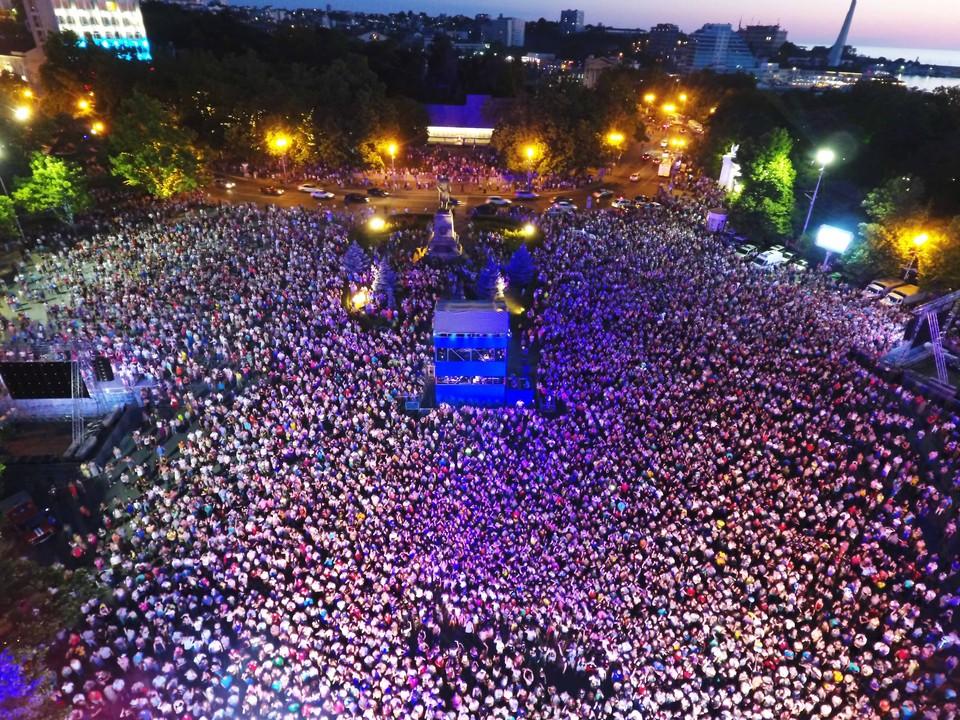 Это событие ежегодно объединяет тысячи людей. Фото: energosnab.pro