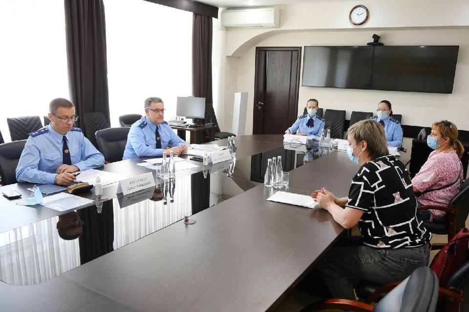 Прокуроры приняли 16 жителей региона. Фото: ВОП