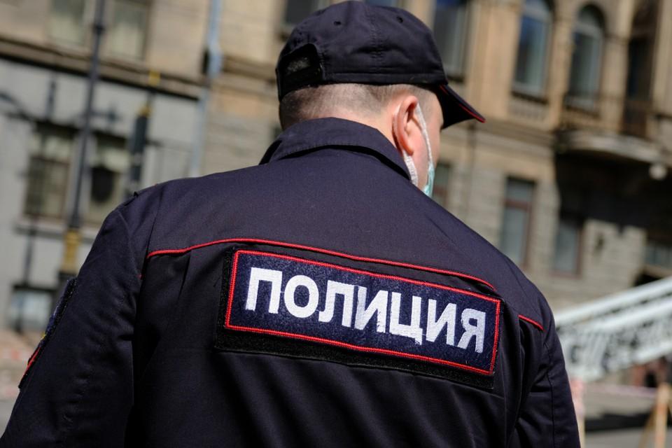 Кастет пытался пронести в аэропорт Иркутска житель Зиминского района